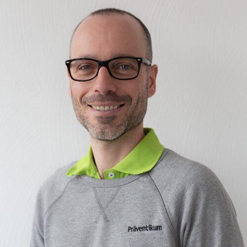 Dr. Stefan Barié